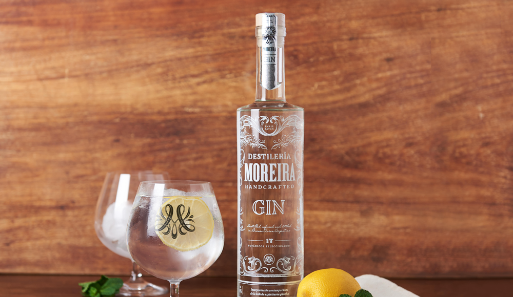 Gin Moreira